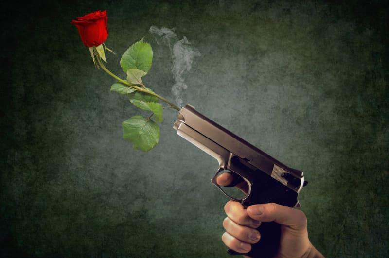 Broń krótka w domu - najważniejsze informacje